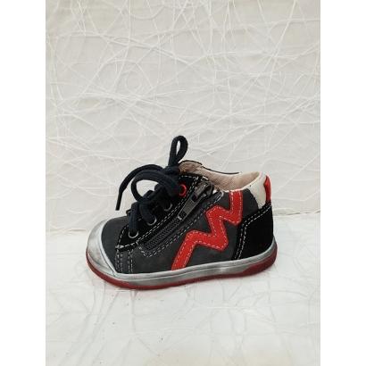 Chaussure à lacets tirettte...