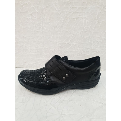 Chaussure velcro noire...