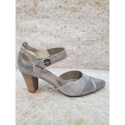 Chaussure à bride pointue...