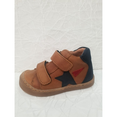 Chaussure étoile 2 velcros...