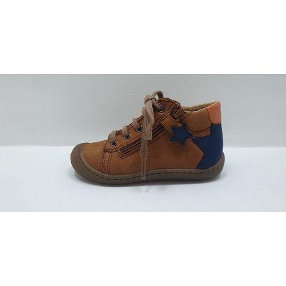 Chaussure à lacets camel étoile arrière Bopy