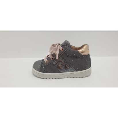 Chaussures à lacets avec coeurs grise-roseBabybotte