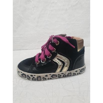Chaussure à lacets tirette...