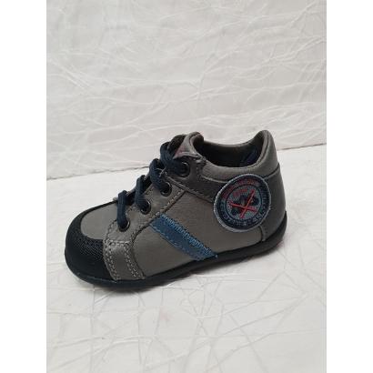 Chaussure à lacets grise...