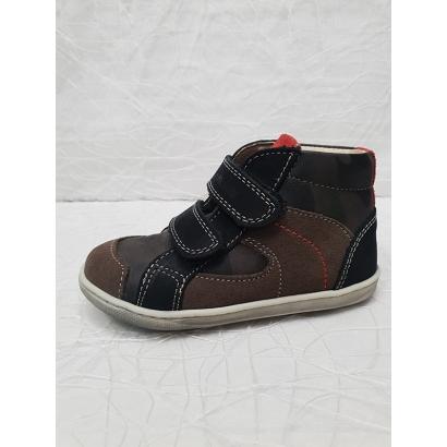 Chaussure 2 velcros...
