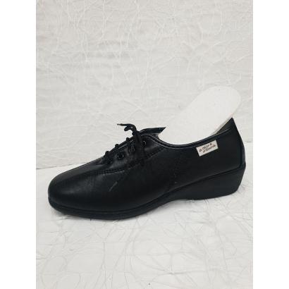 Chaussure à lacets...